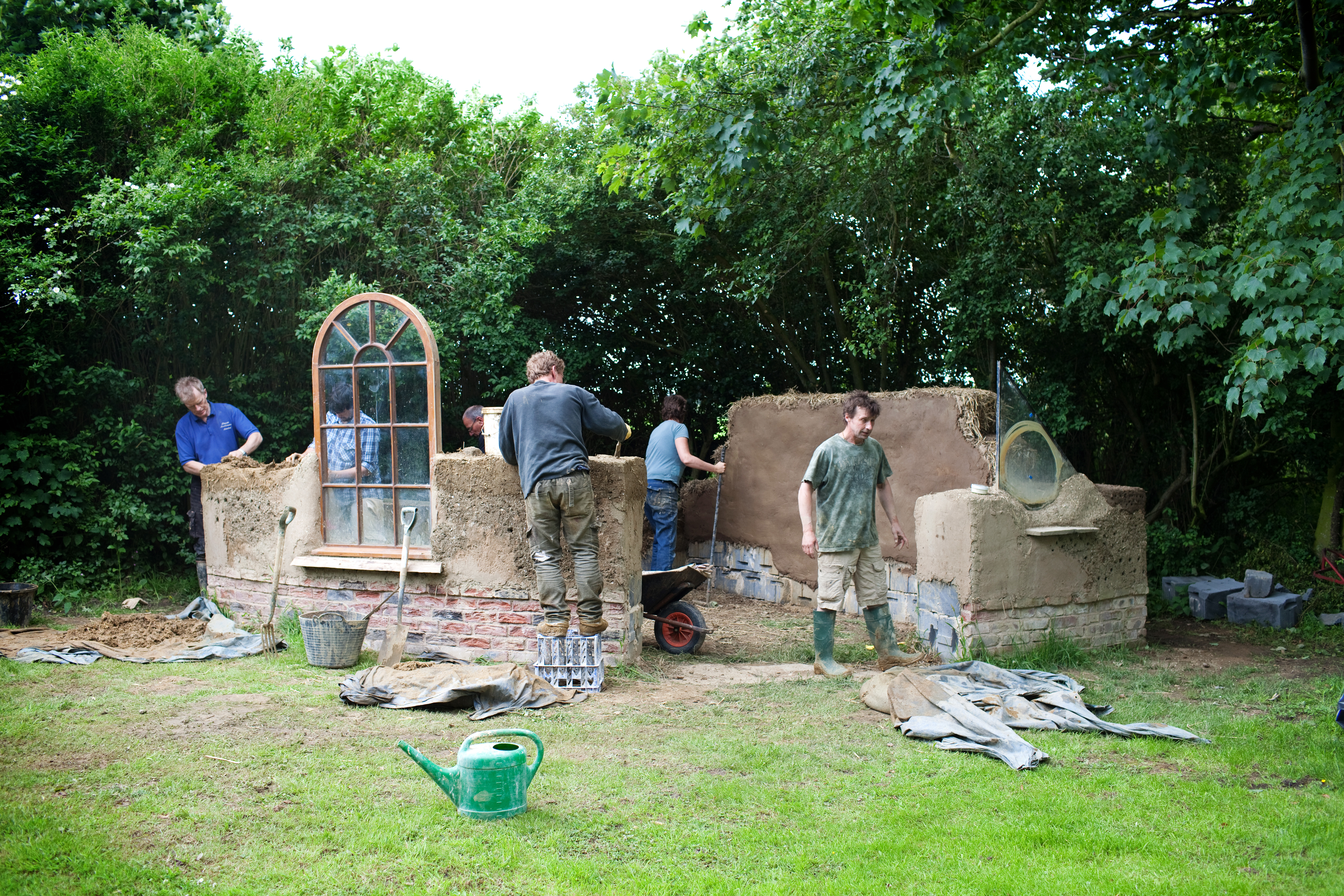 Cobbers work on a cob studio project edwards eve cob for The cost of building your own home