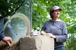 kate shows how to cob in glass window pane
